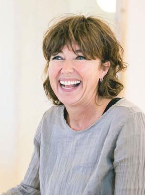 Angela de Jonge